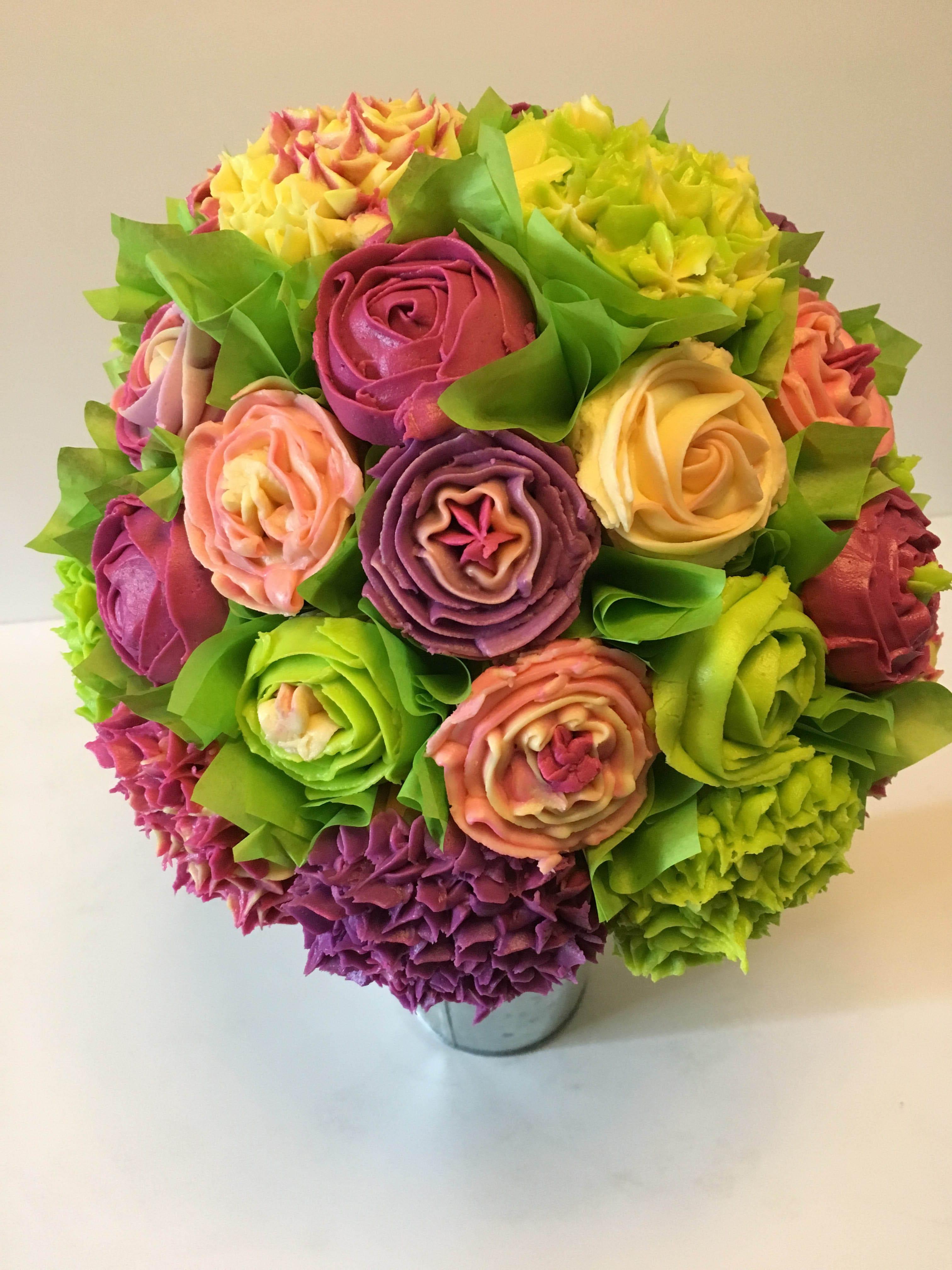 Cupcake bouquets cakemom custom cakes mini cupcake floral bouquetscenterpieces start at 25 izmirmasajfo